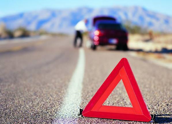 Corsia-di-emergenza-multe-e-regole-per-la-sosta-e-l'utilizzo-corretto